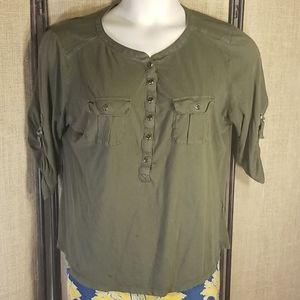 Army green, ½ sleeve, 2 pocket top